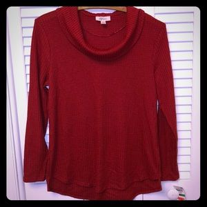 🍁🍁 NWT red and soft waffle cowl neck